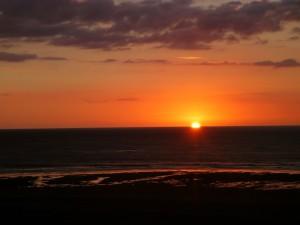 my favorite sunset of the trip... Hot Water Beach, Kawhia